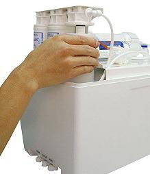 Reverzna osmoza PurePro® S800 se odlikuje po hitri menjavi filtrirnih vložkov